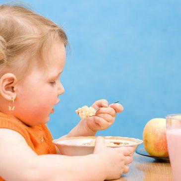 Как повысить уровень гемоглобина в крови у ребенка, какие продукты давать?