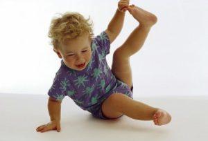 Почему у ребенка болят ноги по ночам