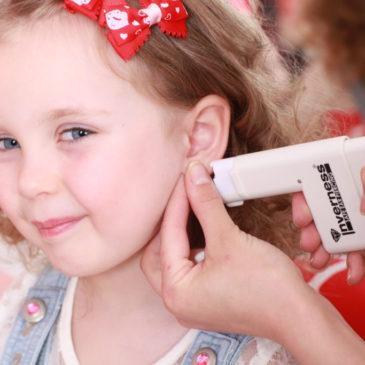 Что делать, если после прокола воспалились и гноятся уши у ребенка, чем лечить?