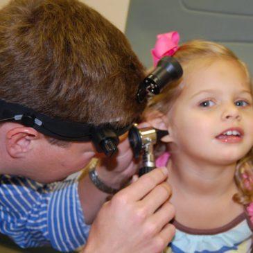 Серные пробки у ребенка: что делать и как удалить серу из ушей в домашних условиях?