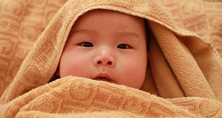 На какой день снижается билирубин у новорожденных. Лечение и профилактика новорожденных детей. Чем опасно накопление билирубина в теле малыша