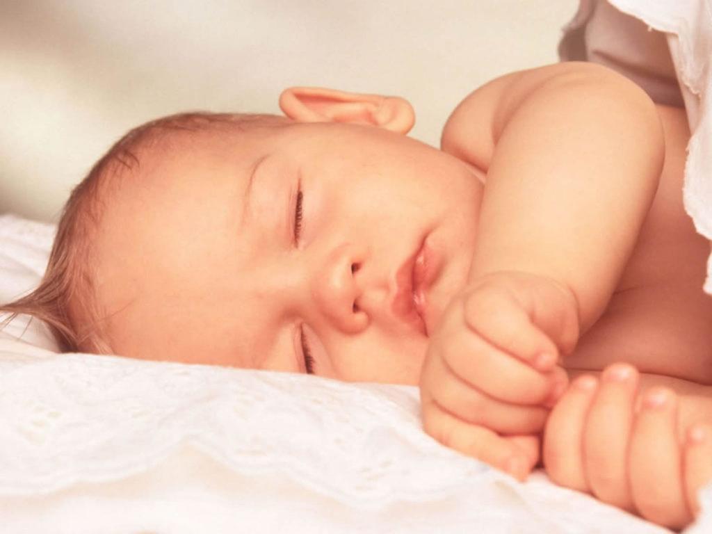 Родничок у новорожденного. Забота и уход