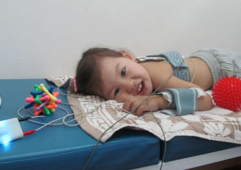 Электрофорез – виды, эффективное лечение, противопоказания ( электрофорез для детей, на дому, с эуфиллином, с лидазой, карипазимом)
