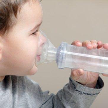 Как делать детям ингаляции с физраствором в небулайзере при сухом кашле и насморке: инструкция для родителей, дозировка