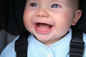 Шишка с гноем на десне у ребенка — Детишки и их проблемы