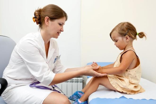 Вульвит у девочек до года: предостережения, симптомы и лечение