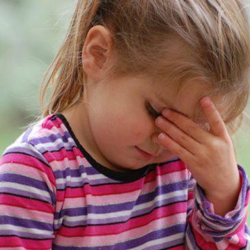 У ребенка болит и кружится голова и рвота: что это может быть и почему сильно тошнит, как лечить?