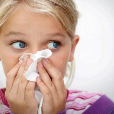 Можно ли при насморке делать ребенку прививки от полиомиелита, АКДС и другие?