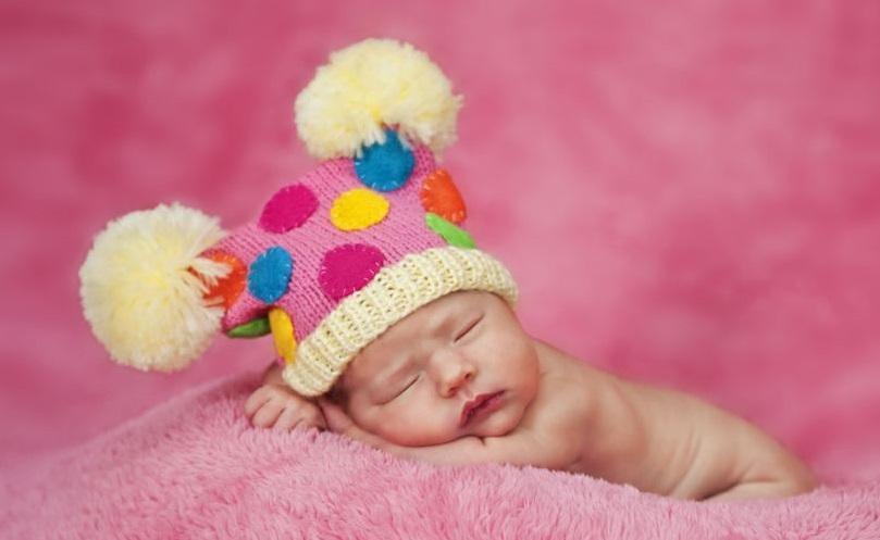 У новорожденной девочки выделения с кровью — влагалище младенца