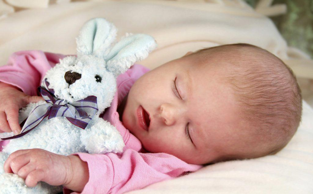 Грудной ребенок храпит во сне