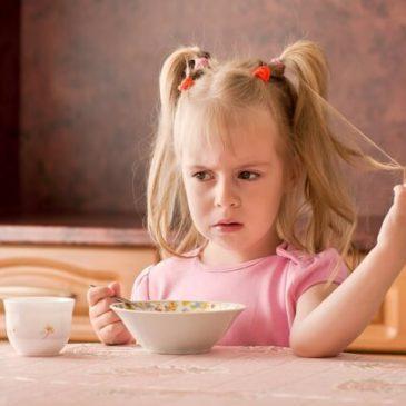 Симптомы пищевого отравления у ребенка: оказание первой помощи, лечение и профилактика