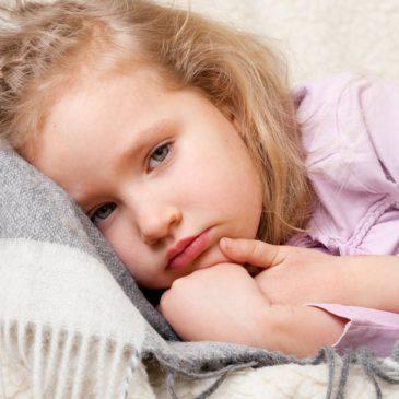 Симптомы и причины гастроэзофагеального рефлюкса у новорожденных и грудных детей: что это такое и как лечится?
