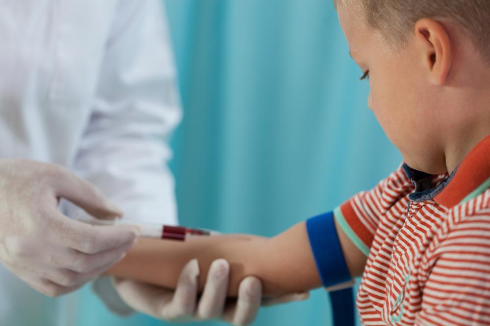 Как берут кровь из вены у грудничка, новорожденного и детей раннего возраста?