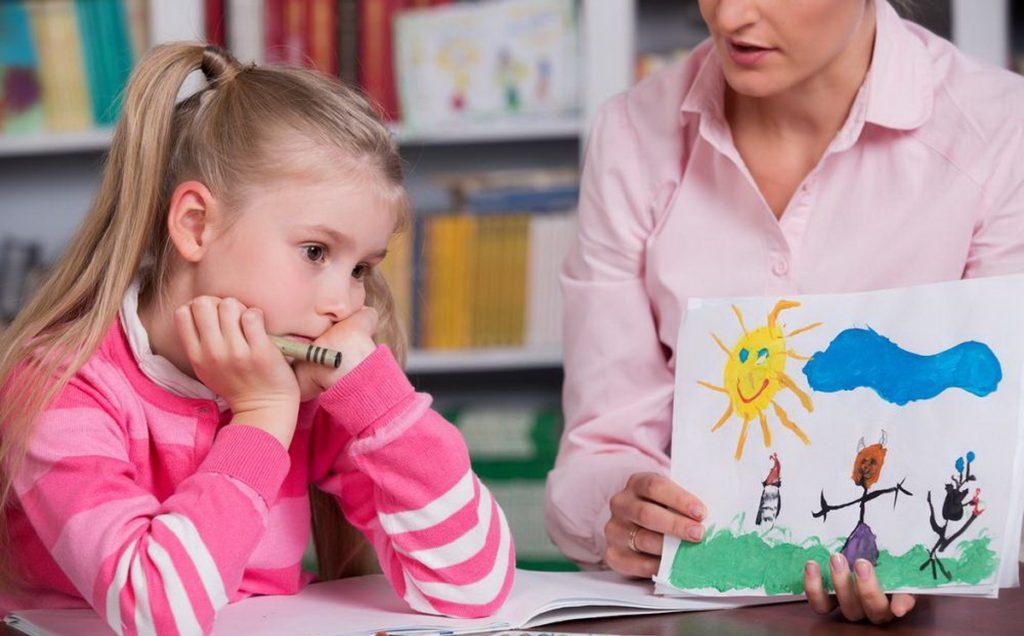 Как проявляется умственная отсталость у ребёнка до года?