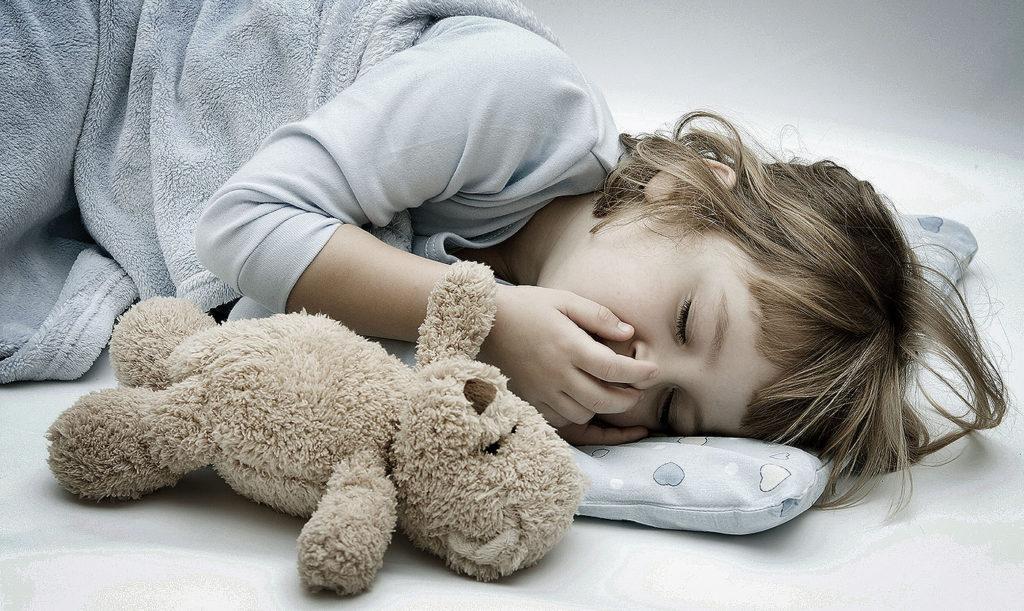 Кашель у ребенка когда спит или лежит