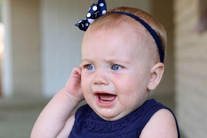 Что делать, если у ребенка воспалился лимфоузел за ухом