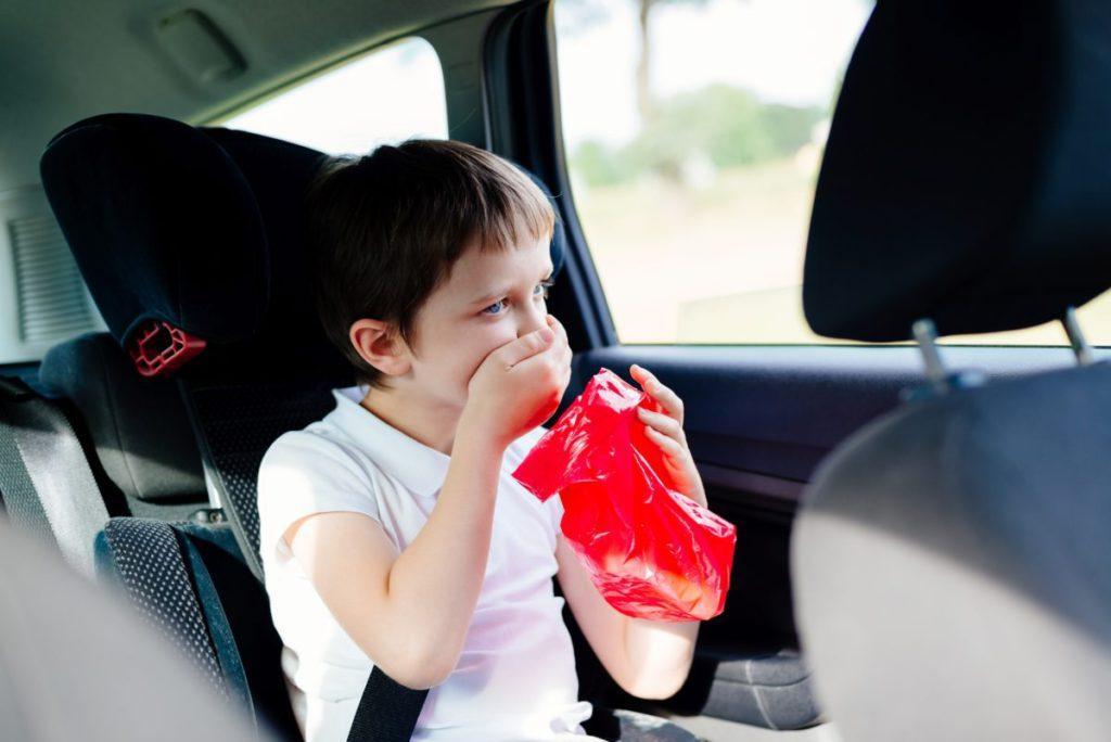 Таблетки для детей от укачивания в транспорте – машине или самолете: аптечные и народные средства