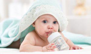 Пахнет моча у ребенка: почему резкий неприятный запах мочи, должна ли пахнуть у грудничка в 3 месяца, 1-2 год, причины