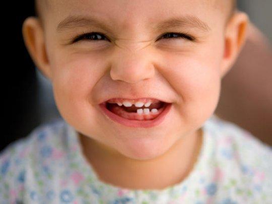 Как выглядит прорезывание зубов у грудничков
